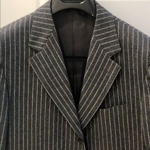 Zegna 100% wool suit excellent condition gray pin